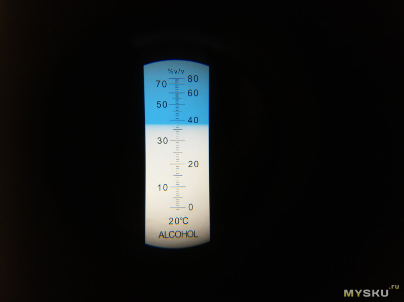 Рефрактометр - спиртометр в объёмных долях % V/V (со шкалой от 0 до 80%)