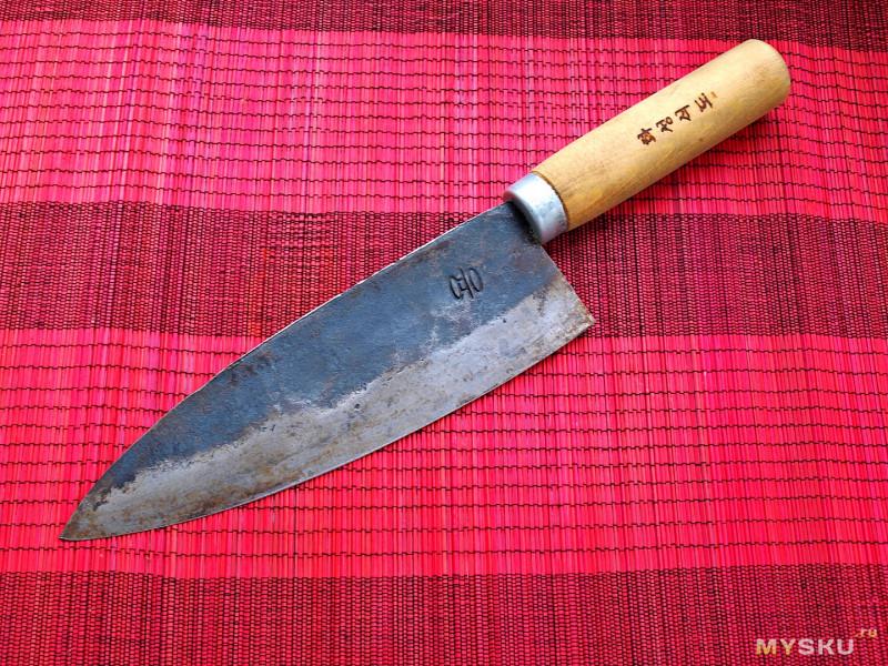 Кухонный нож ручной работы из Кореи.