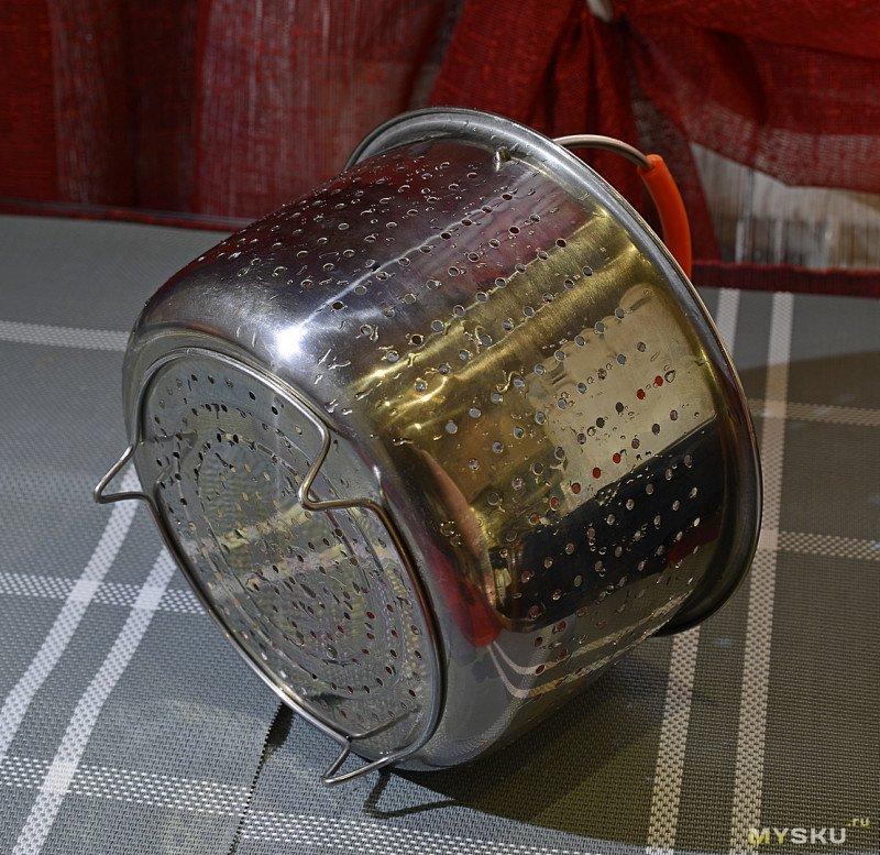 Многофункциональная металлическая корзина для кухни.