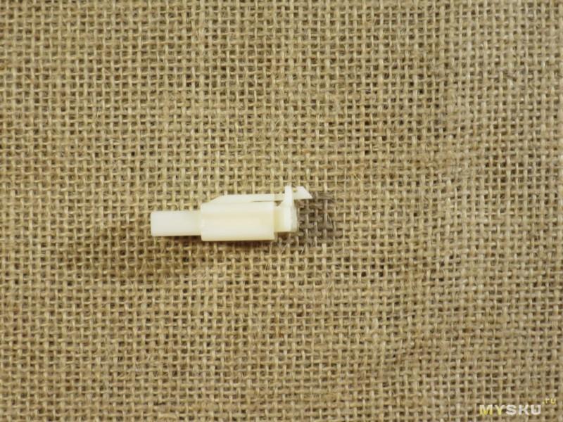 Плоские коннекторы на 3 провода.