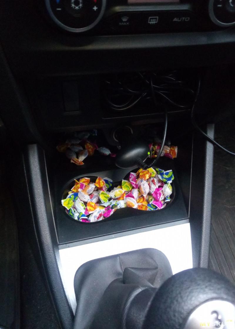 Мусорный контейнер в авто