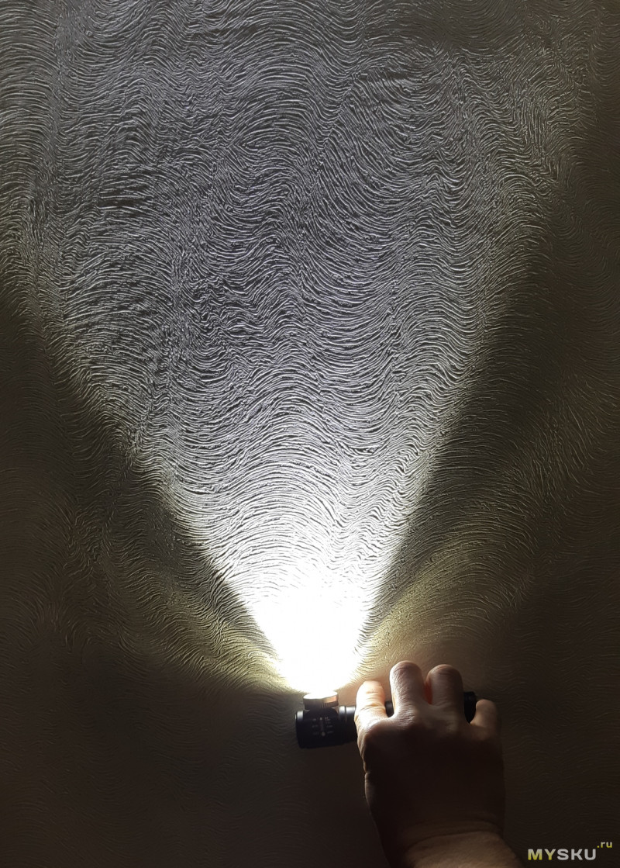Налобный фонарь с линзой