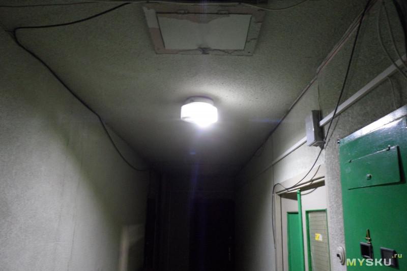 Диодная лампочка с датчиком звука
