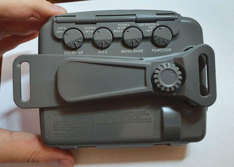 Кассетный плеер Sony Sports Walkman WM-FS399