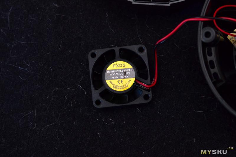 U'King ZQ-B55 - доступный RGBW прожектор с поддержкой DMX-512