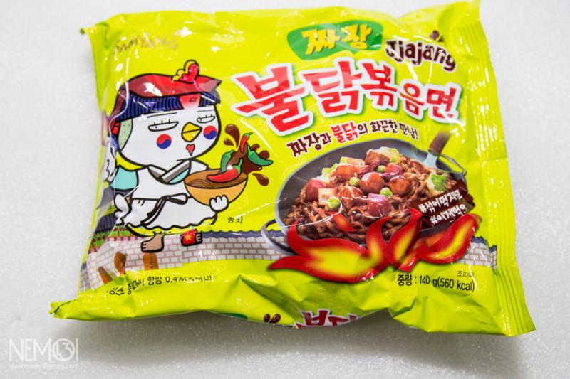 """Бичпакеты из Кореи. Рассказ про то как я лапшу на Ebay покупал. Обзор лапши Ramen """"Горячая цыпочка с чёрными бобами"""""""