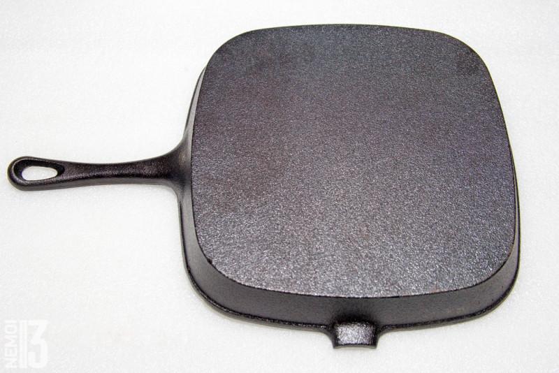 Чугунная сковородка гриль из Китая. Жарим мясо и не только