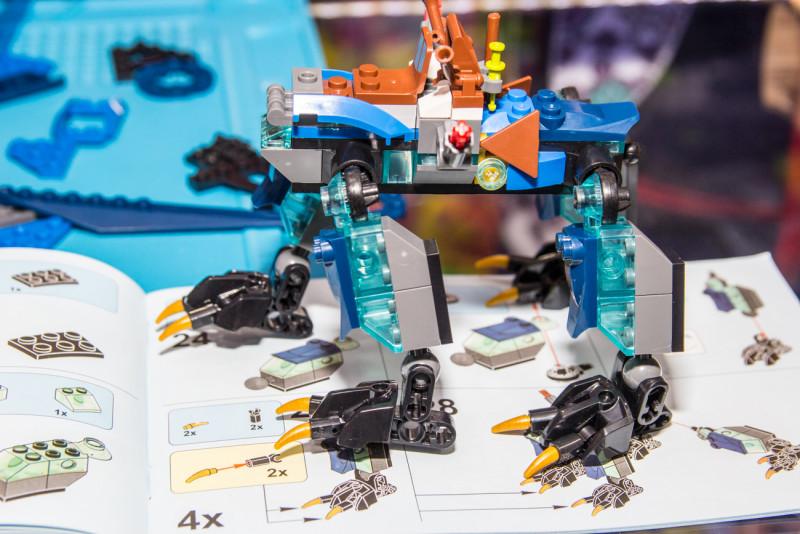 Детский конструктор LEPIN Ninja 06027 (Дракон стихий Джея) из Китая. Качественный клон lego Jay's elemental dragon
