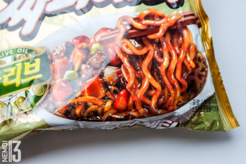 Бичпакеты с ebay №11. Обзор лапши NONGSHIM Chapagetti. Рамен с чёрными бобами. (вкус на любителя)