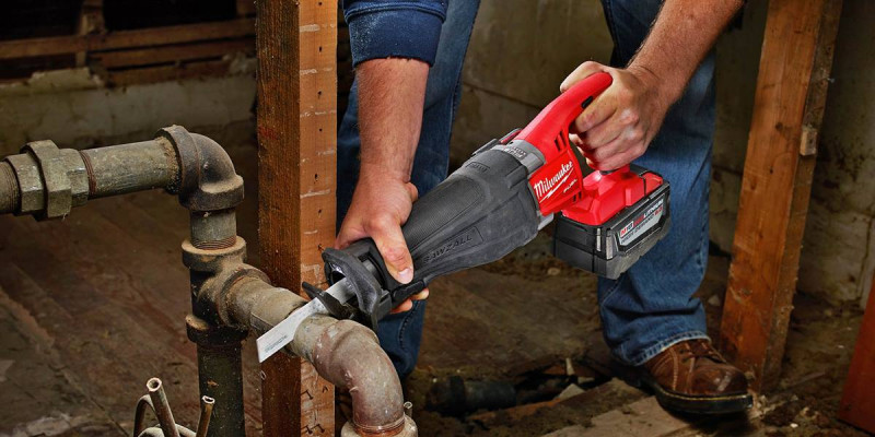 Компактная сабельная пила Milwaukee 2625-20 Hackzall Reciprocating Saw
