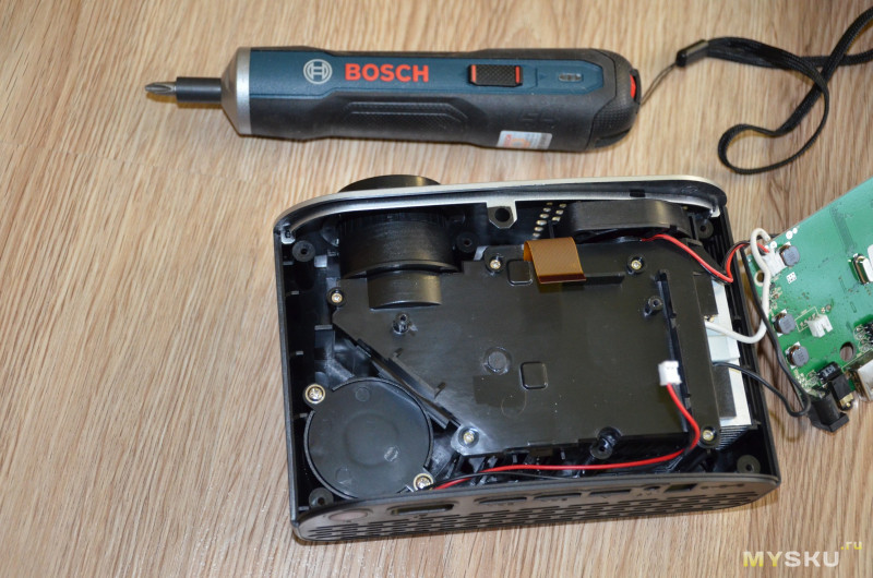 Бюджетный LED проектор GP802A