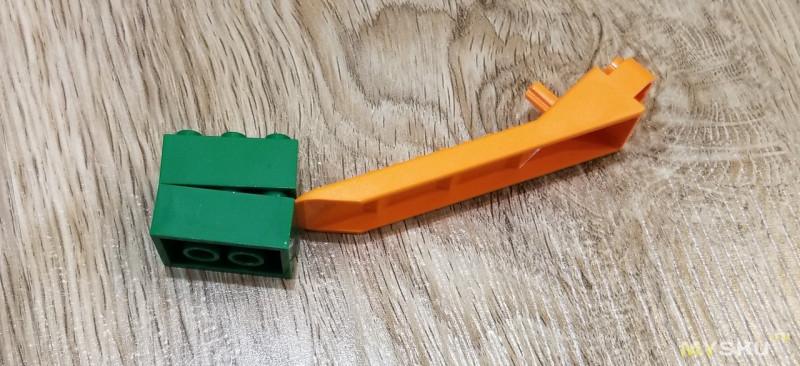 Съемник для Lego