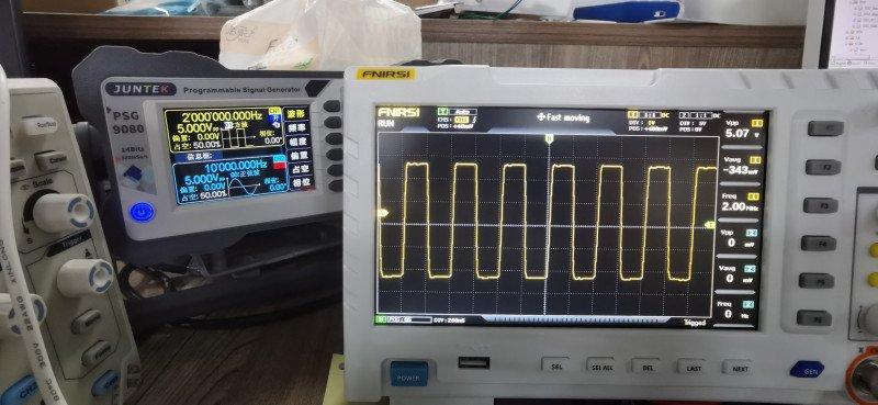 Новая модель осциллографа FNIRSI 1014D: 2 канала 100MHz, частота семплирования 1Gsps, USB и запись сигналов за 0