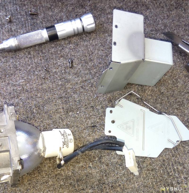 Замена лампы на проекторе Benq mx503