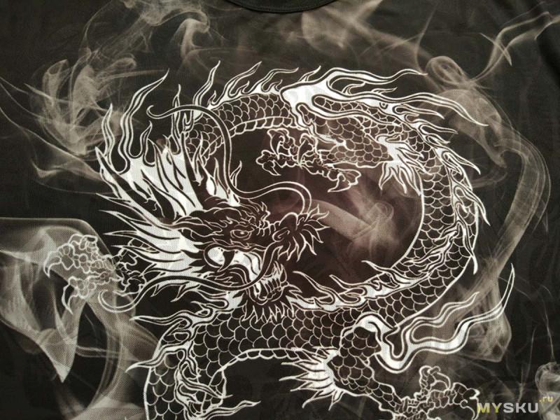 Две интересных футболки с рисунками из Китая