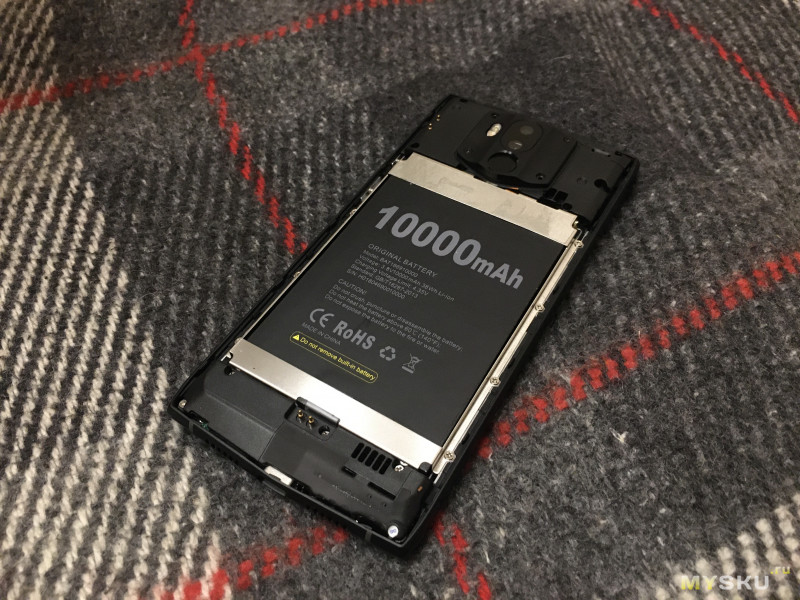 """Обзор """"защищенного"""" долгожителя: смартфон Doogee N100 (10000mAh, 6"""" 1080х2160, 4/64GB, Helio P23, NFC). 24+ часов работающего экрана!"""