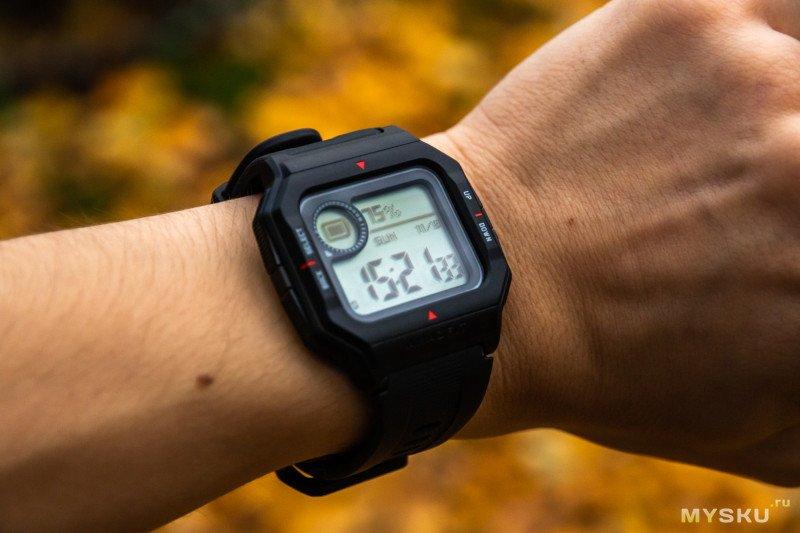Обзор Amazfit Neo: новые умные часы со старым дизайном и автономностью в 30+ дней.