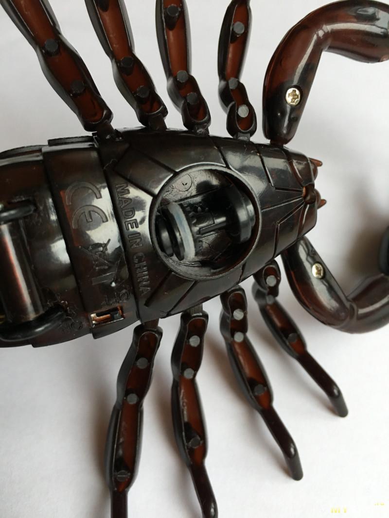 Игрушка Скорпион на дистанционном управлении