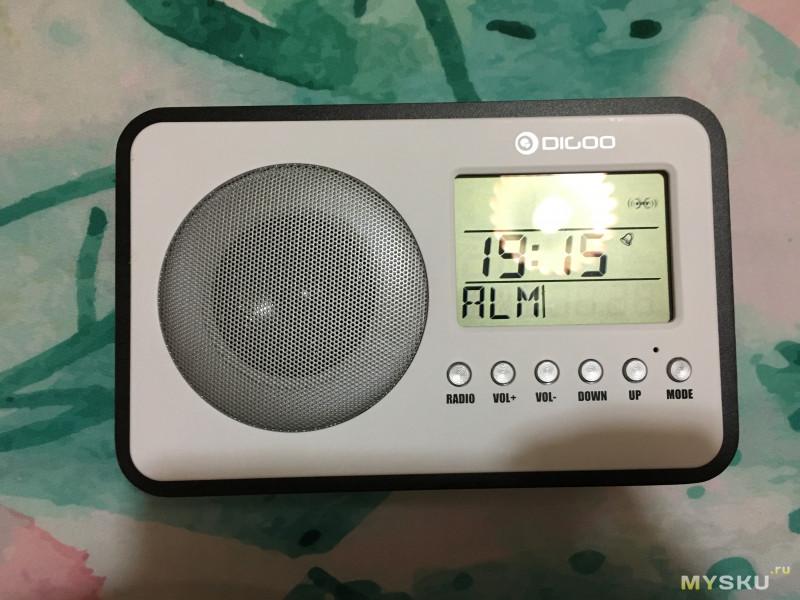 Digoo DG FR600 - радиоприемник с функцией часов