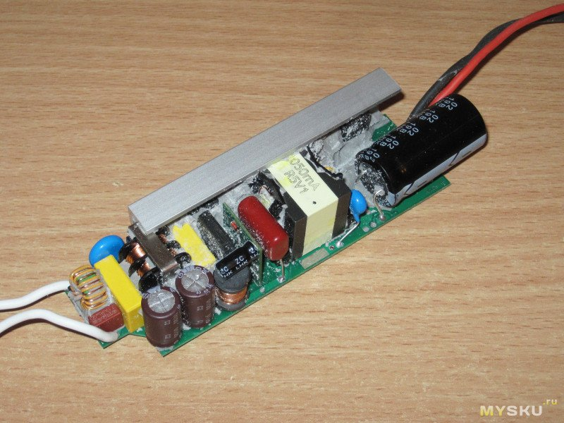 Блоки питания (драйверы) LRC-60-1050 и LRC-60-1400 для светодиодов мощностью до 60Вт