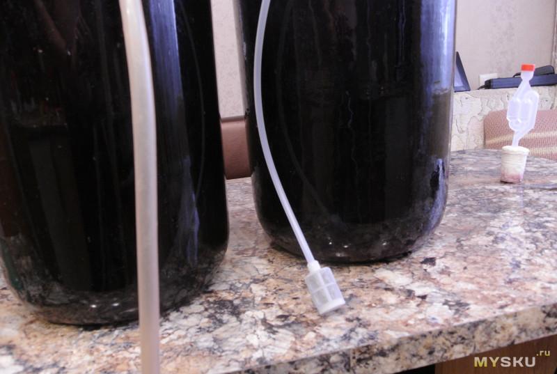 Устройство для снятия вина с осадка