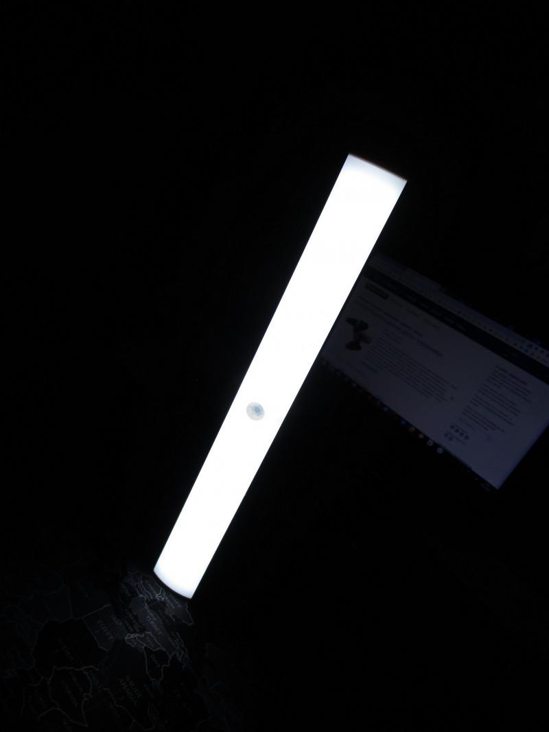 Подсветка с датчиком движения и регулировкой яркости на кухню