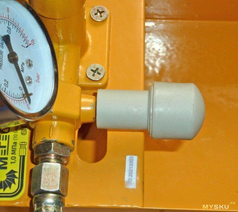 Ручной опрессовочный насос МЕГЕОН 98010 до 10 бар