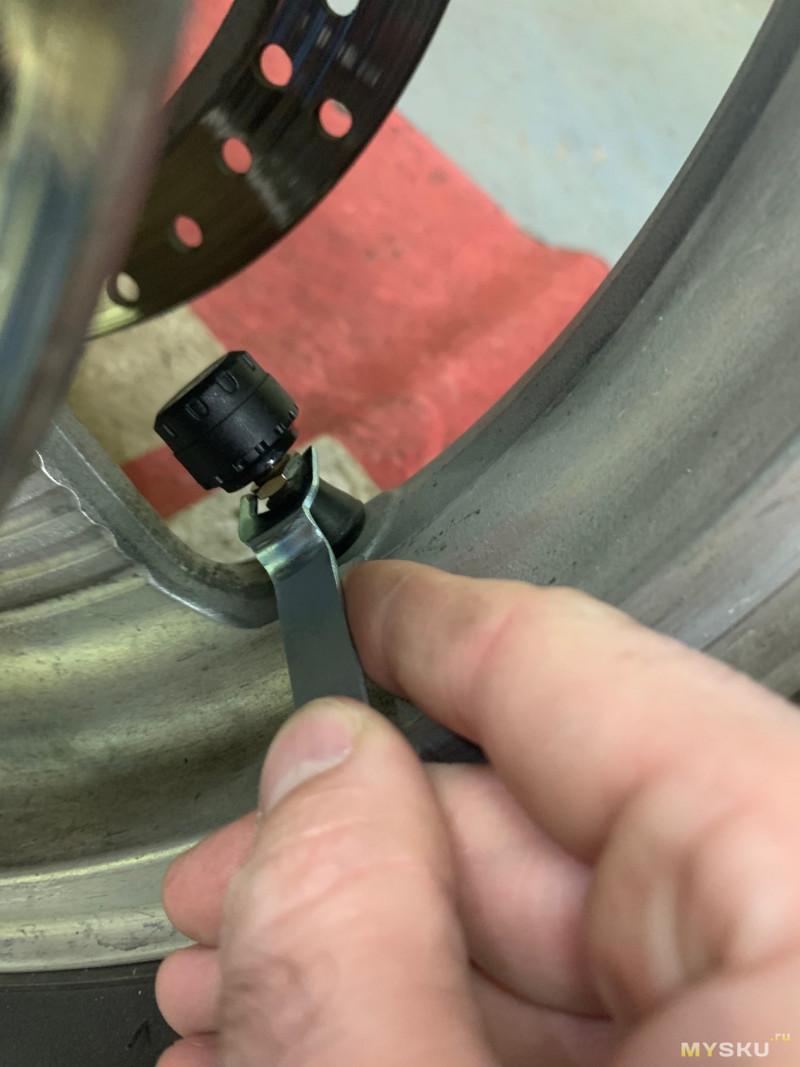 Система контроля давления в шинах для мотоциклов - удобно для мото путешествий