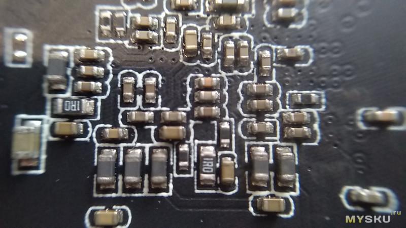 ТВ бокс H96 Маx Plus  на чипе RK3328/ 4GB RAM/ 32GB ROM/ Android 8.1/ 4K /USB3.0 - USB2.0/ HDMI/ AV/TF
