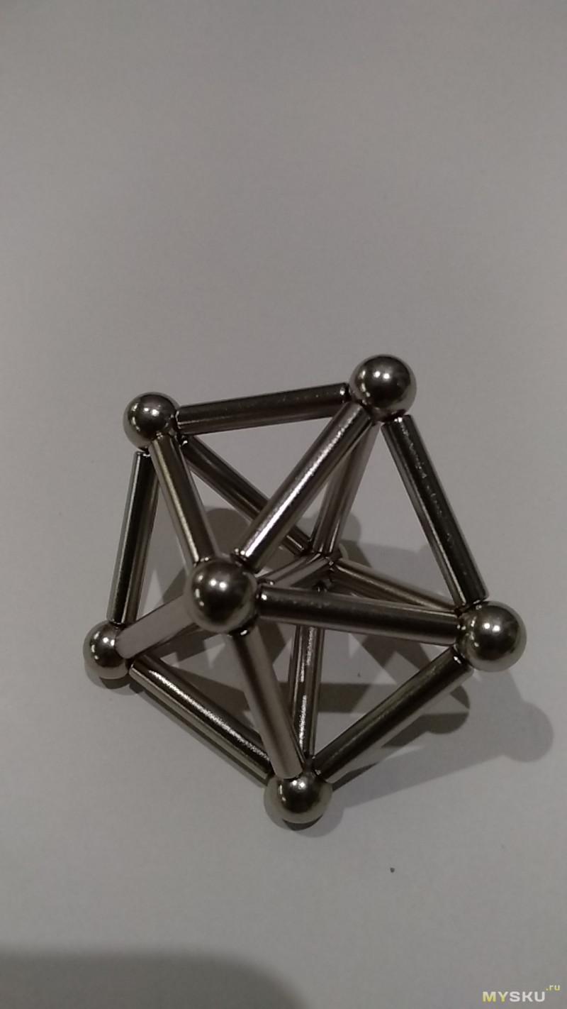 Набор-конструктор из неодимовых магнитов и металлических шариков для познания геометрии, химии и не только.