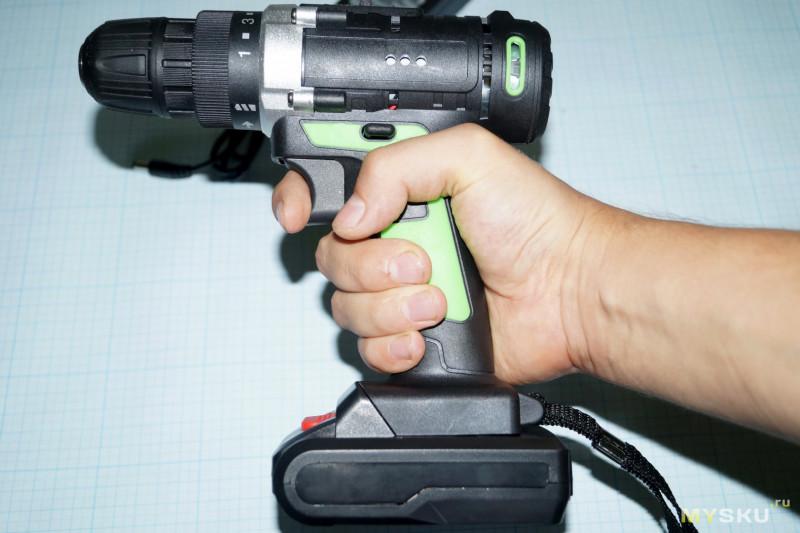 Мелкий индикатор заряда сборок литиевых аккумуляторов.