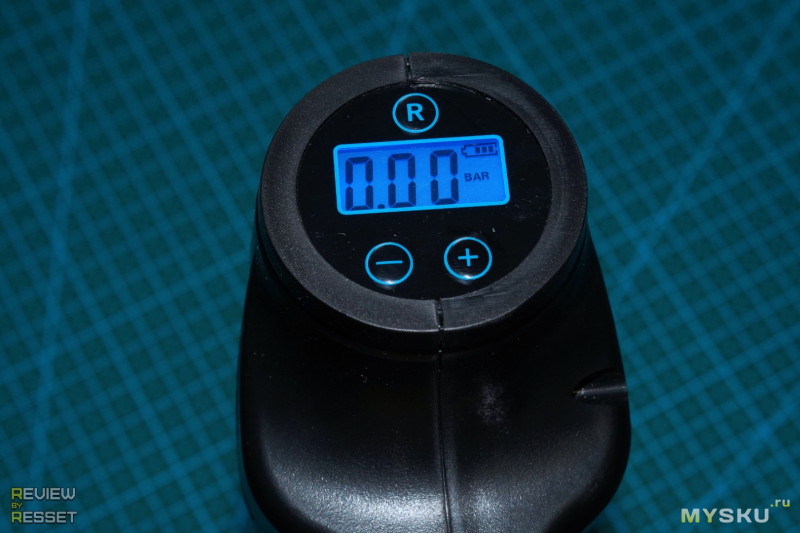 Аккумуляторный насос с настройкой давления отсечки