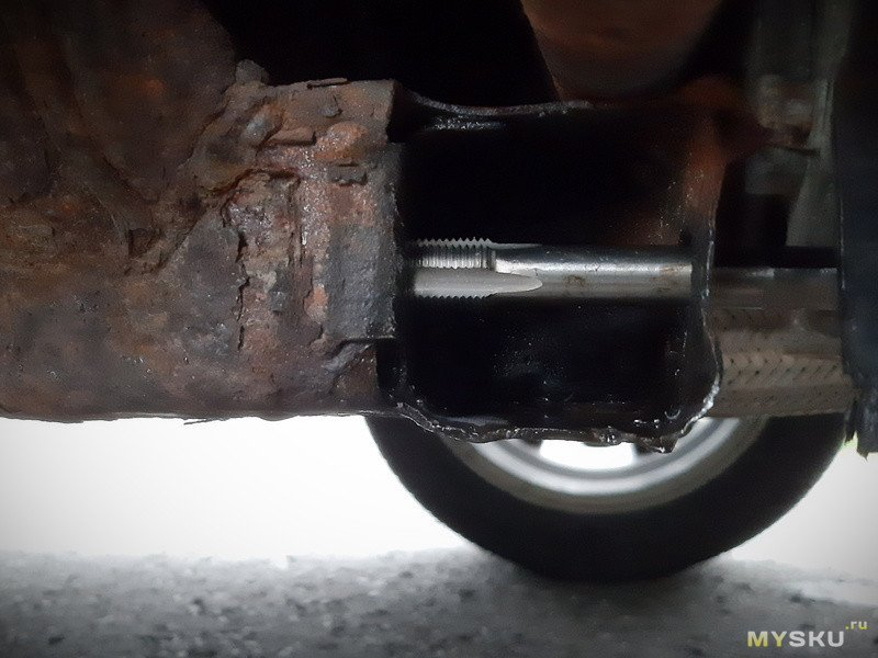 Восстановление резьбы в подрамнике автомобиля без регистрации и сварки