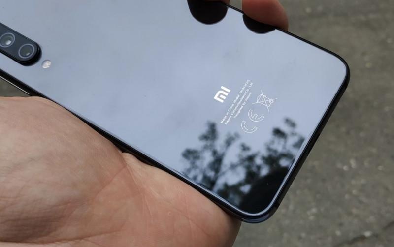 Не флагман, не топ, но хорош. Xiaomi MI9 SE