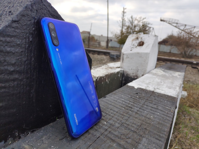 Xiaomi A3. Бюджетный камерофон с голым андроидом.