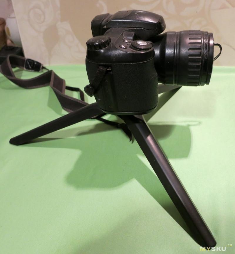 Универсальный набор блоггера селфинатор+ тренога + рамка для телефона + BT пульт + кольцо для освещения 8 ватт для съемки фото или видео с питанием от USB