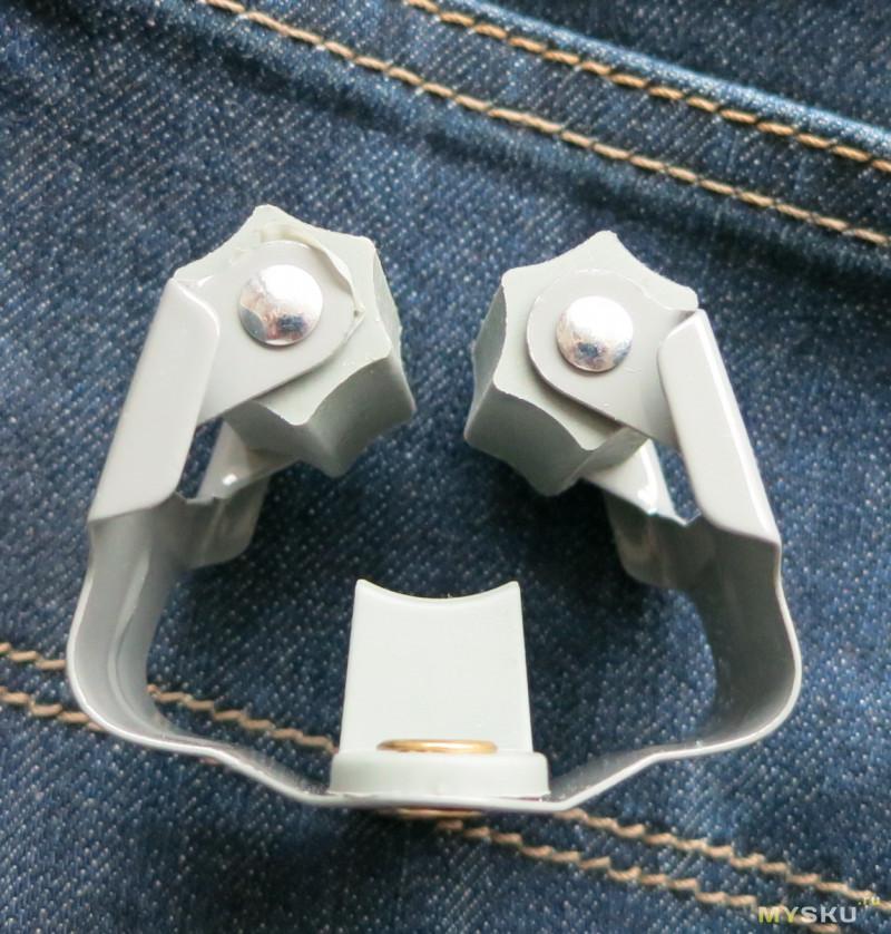 Просто держатель для швабры. Качественный и металлический.