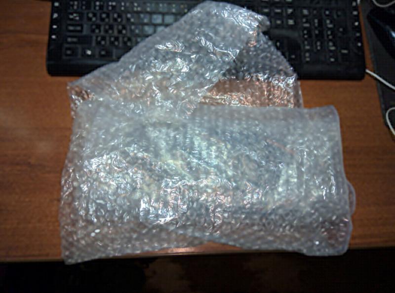 Видеокарта упакована в пупырчатую плёнку