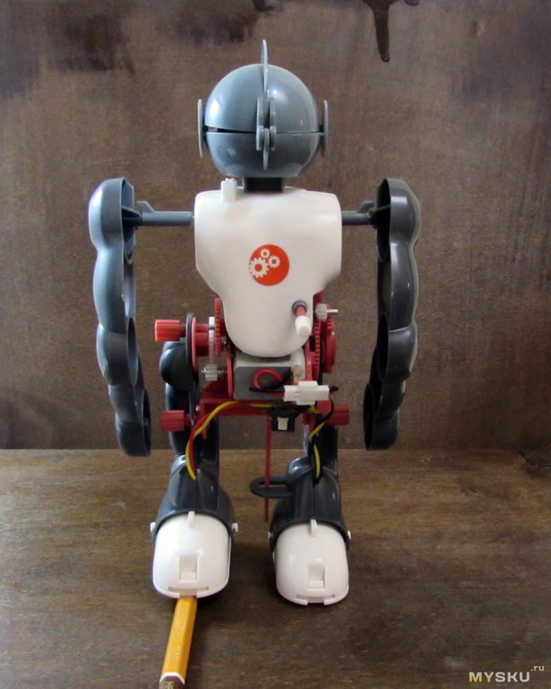 Ходящий, танцующий робот и просто хороший парень