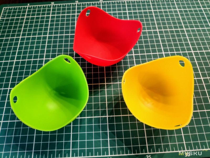 Силиконовые формочки для яиц пашот. Готовлю в них и традиционно. Сравниваю результат.