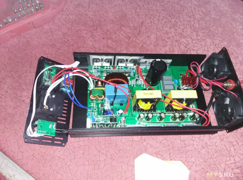 Инвертор CJ-3000Q (DC 12/24/48v в AC 220) чистый синус