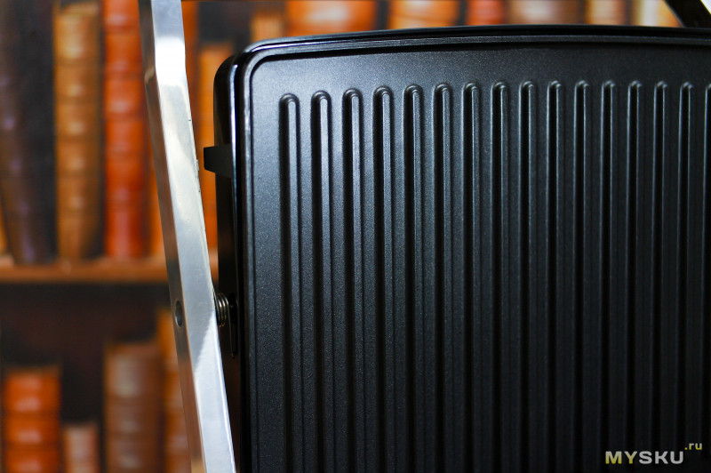 Электрогриль DSP KB1036 - жарим блинчики, купаты и свиные отбивные