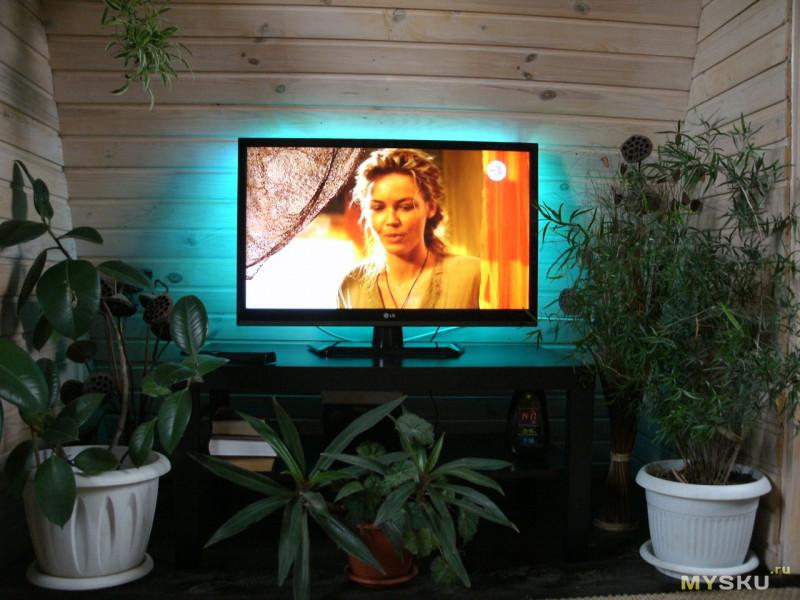 """Китайский  """"Ambilight"""" (ну почти! :) -подсветка для ТВ"""