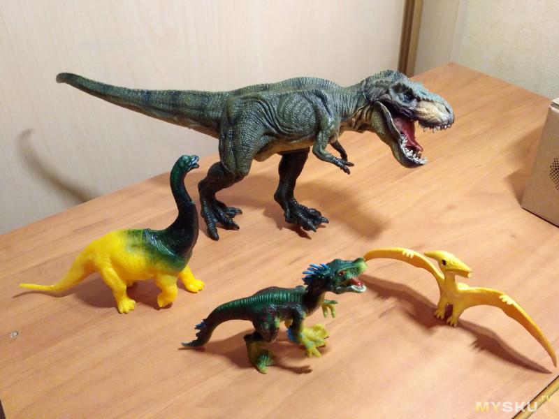 Игрушка Тираннозавр рекс - самый реалистичный динозавр виденный мной вживую