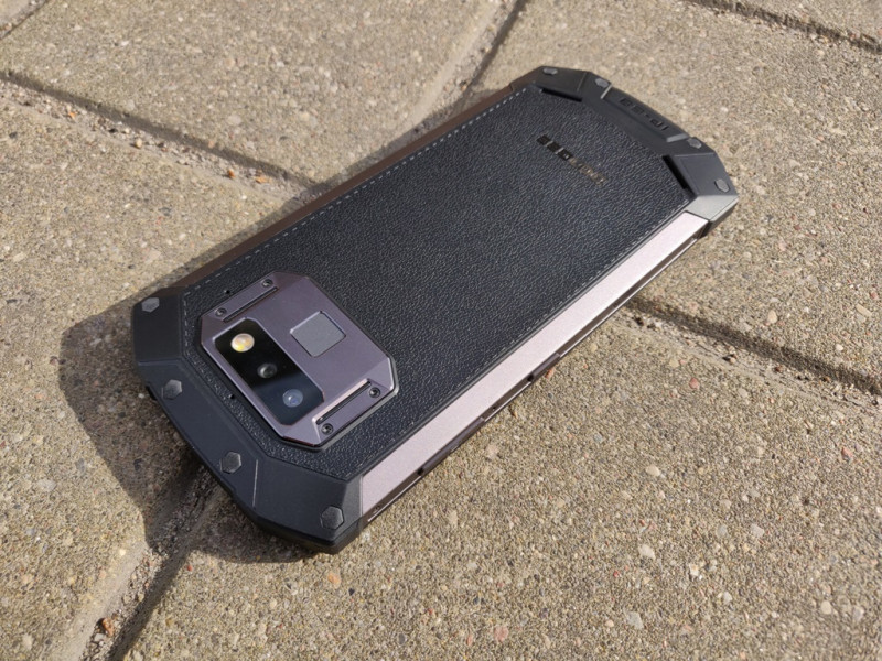 """Doogee S70 + Gamepad G1 - первый в мире """"игровой"""" защищенный смартфон!"""