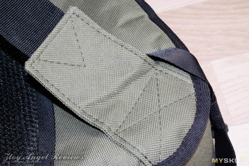 Фоторюкзак треугольной формы от  Andoer