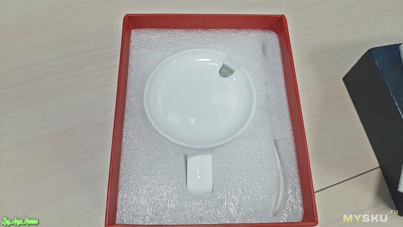 Подогревалка чашки чая и беспроводная зарядка с чашкой, крышкой и ложкой в комплекте.