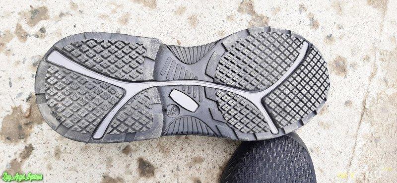 """Дышащие рабочие ботинки Atrego с металлическим подноском. Обзор после реальной эксплуатации на производстве. Проверка грузом, гвоздями, водой и """"медными трубами"""""""