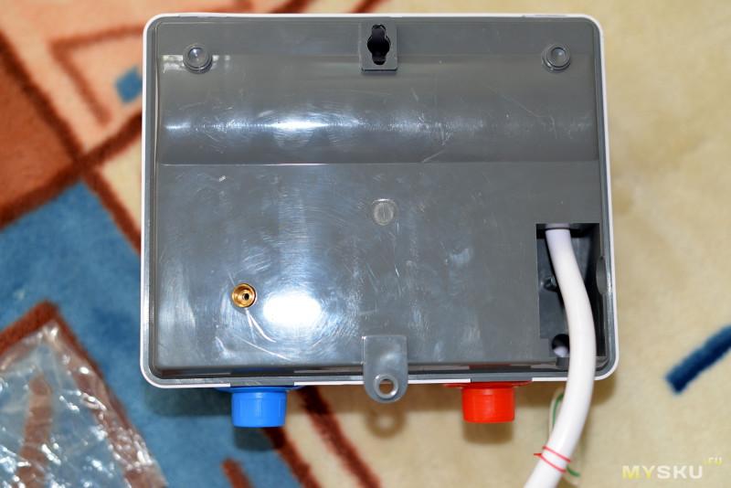 Проточный электронагреватель воды