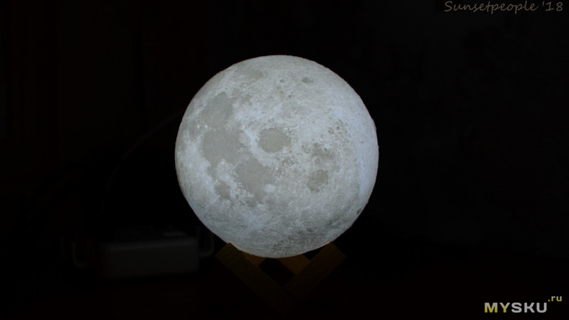 Ночник - луна. Частичка космоса у вас дома.